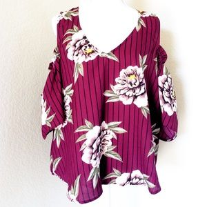 HINT OF BLUSH🌸2X COLD SHOULDER MAROON FLORAL TOP